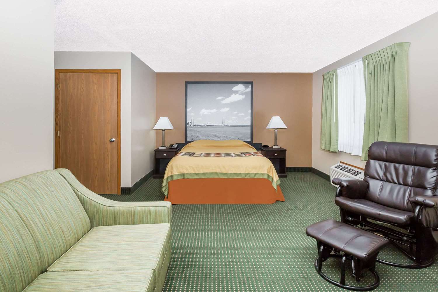 Room - Super 8 Hotel Jefferson