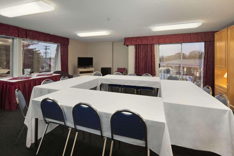 Meeting Facilities - Travelodge Nanaimo
