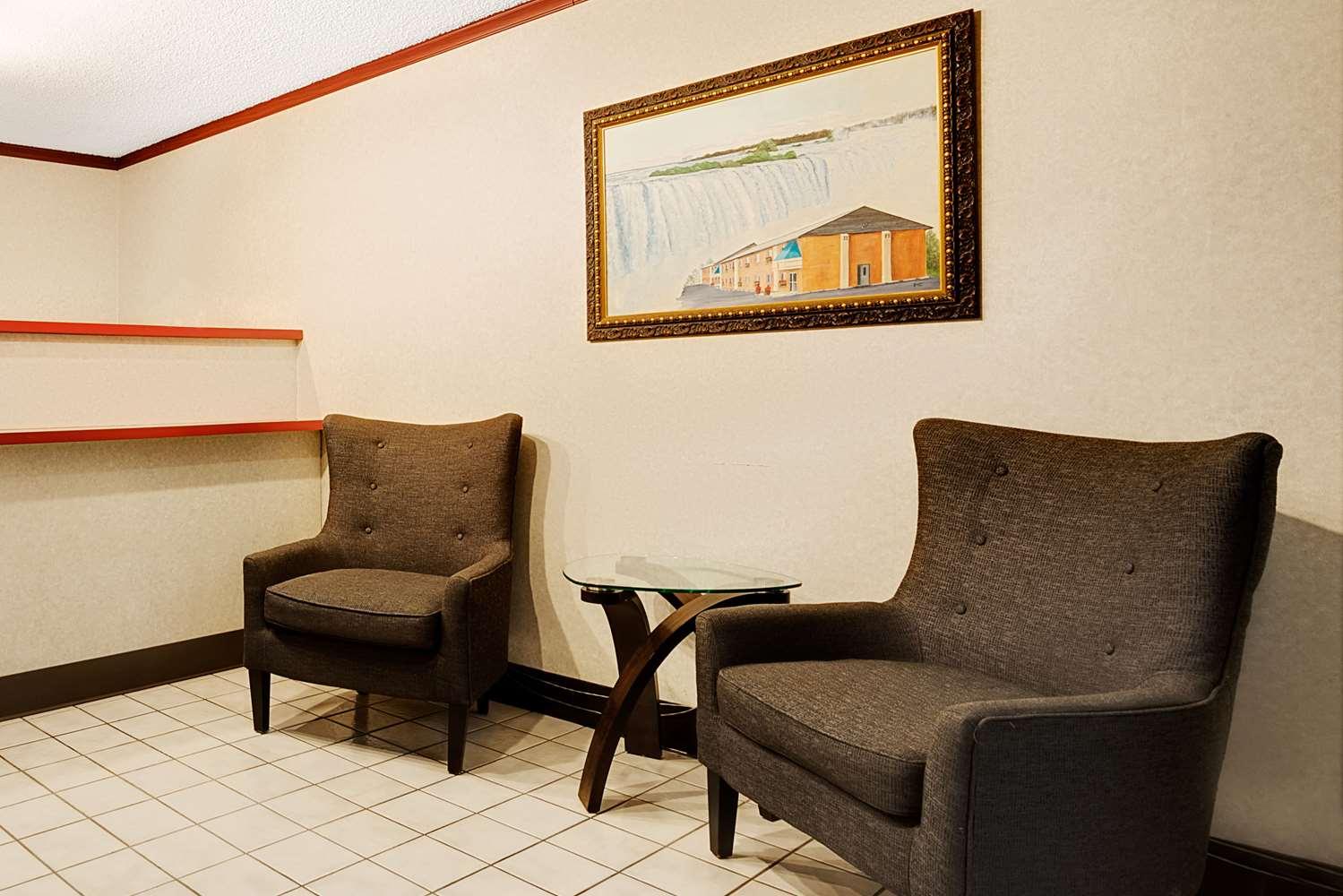 Lobby - Super 8 Hotel Kenmore