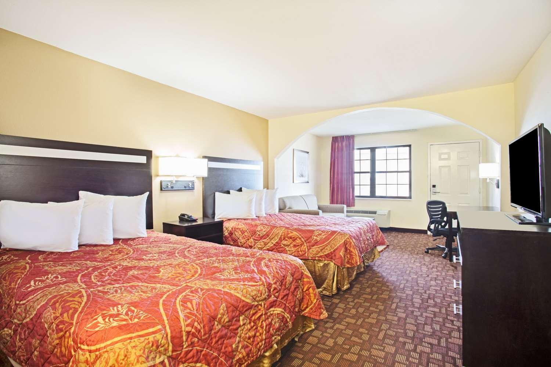 Room - Days Inn Hammond