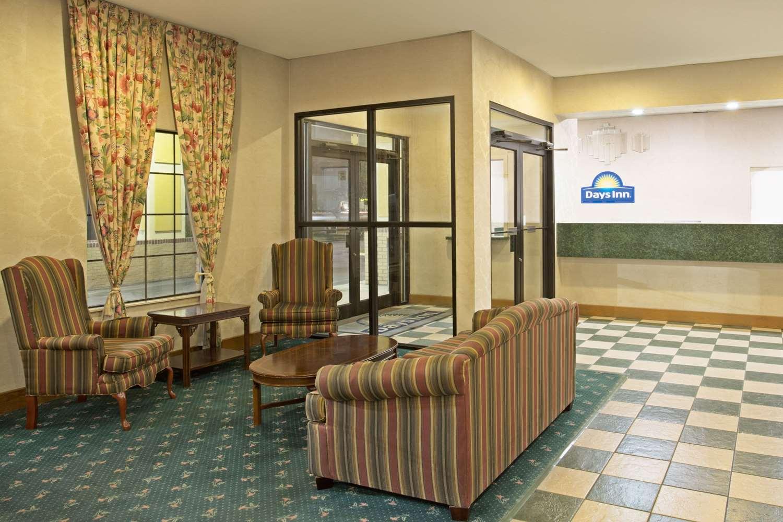 Lobby - Days Inn Hammond