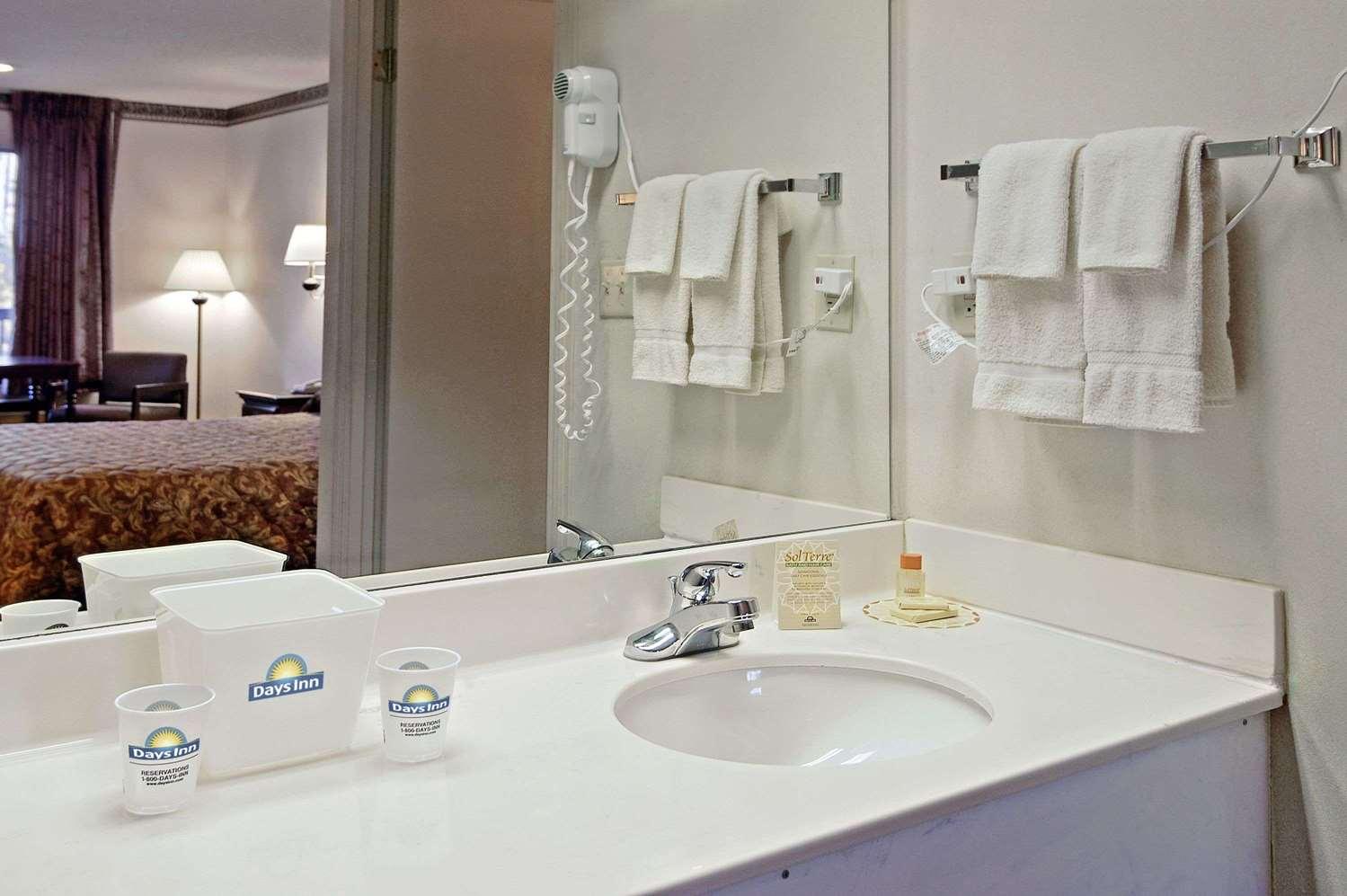 Room - Days Inn Bainbridge