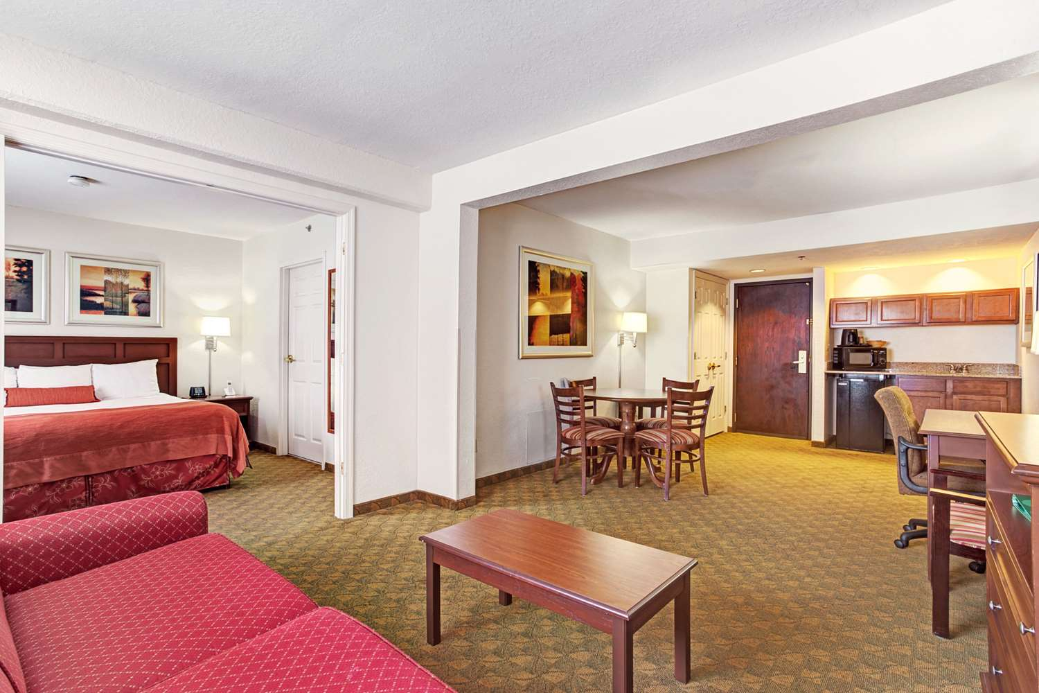 Suite - Wingate by Wyndham Hotel Tampa