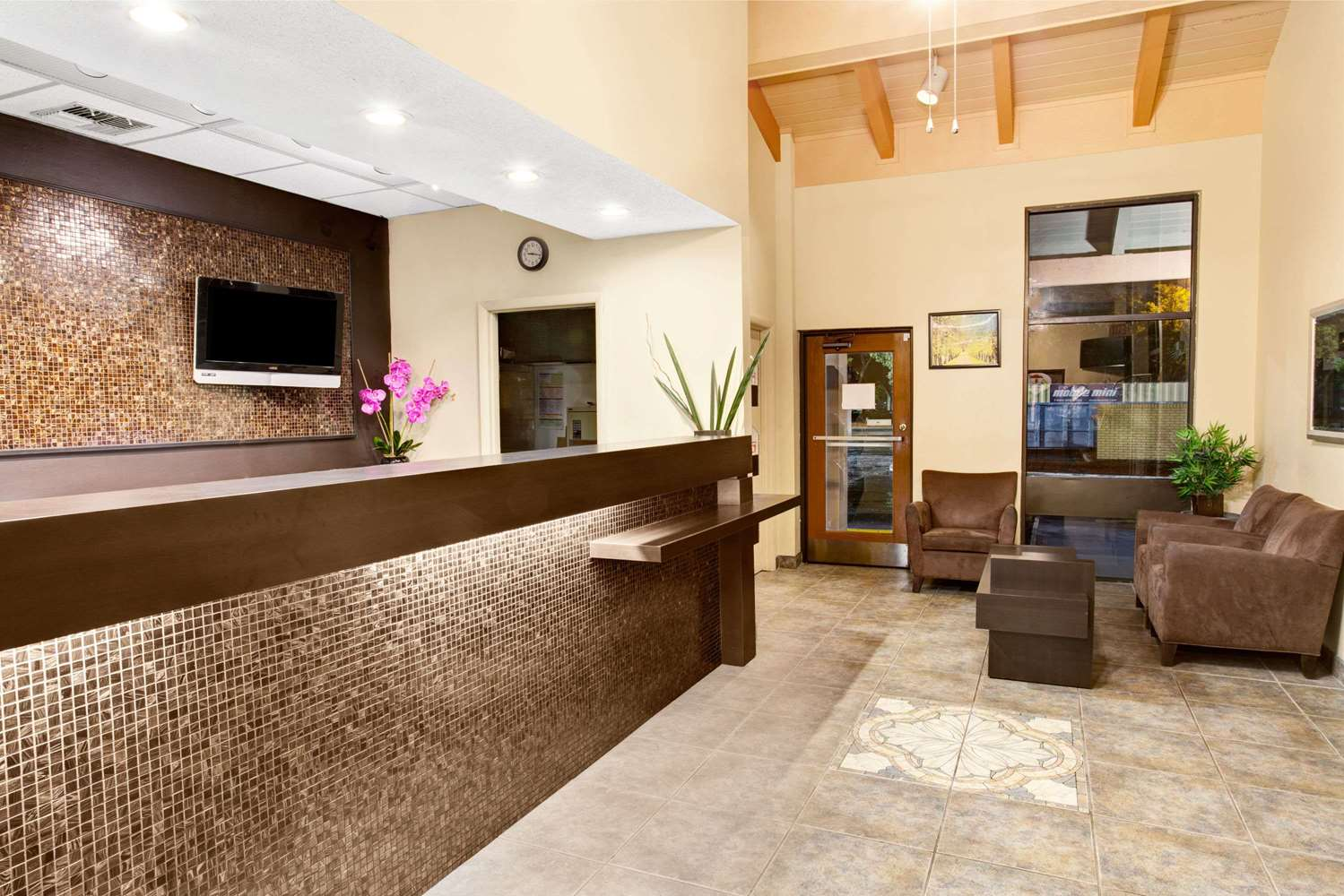 Lobby - Super 8 Hotel Maingate Kissimmee