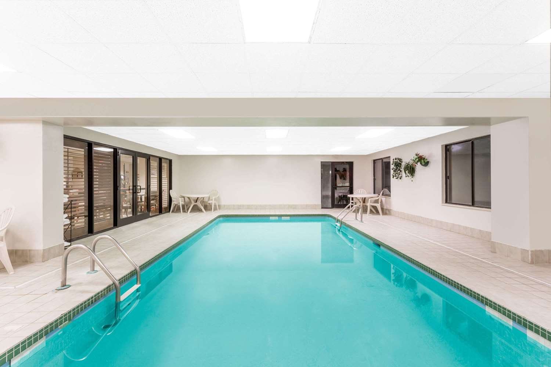 Pool - Wingate by Wyndham Hotel Greenville
