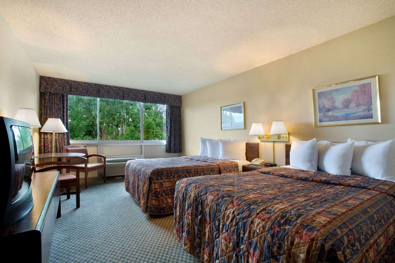 Room - Days Inn Shepherd of the Hills Expressway Branson