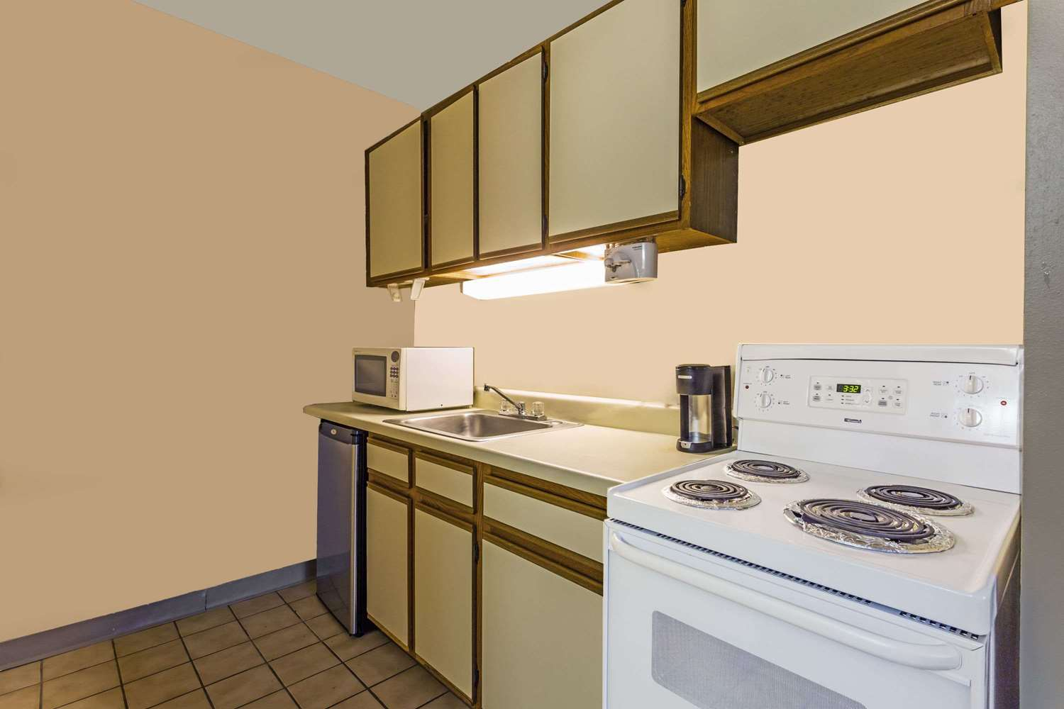 room days inn at the beach virginia beach - Cheap Hotels In Virginia Beach With Kitchenette