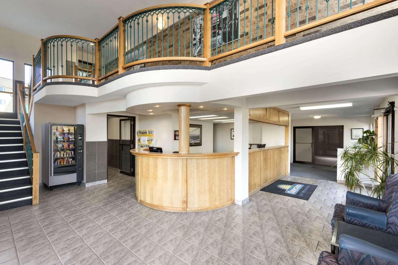 Lobby - Days Inn Lethbridge