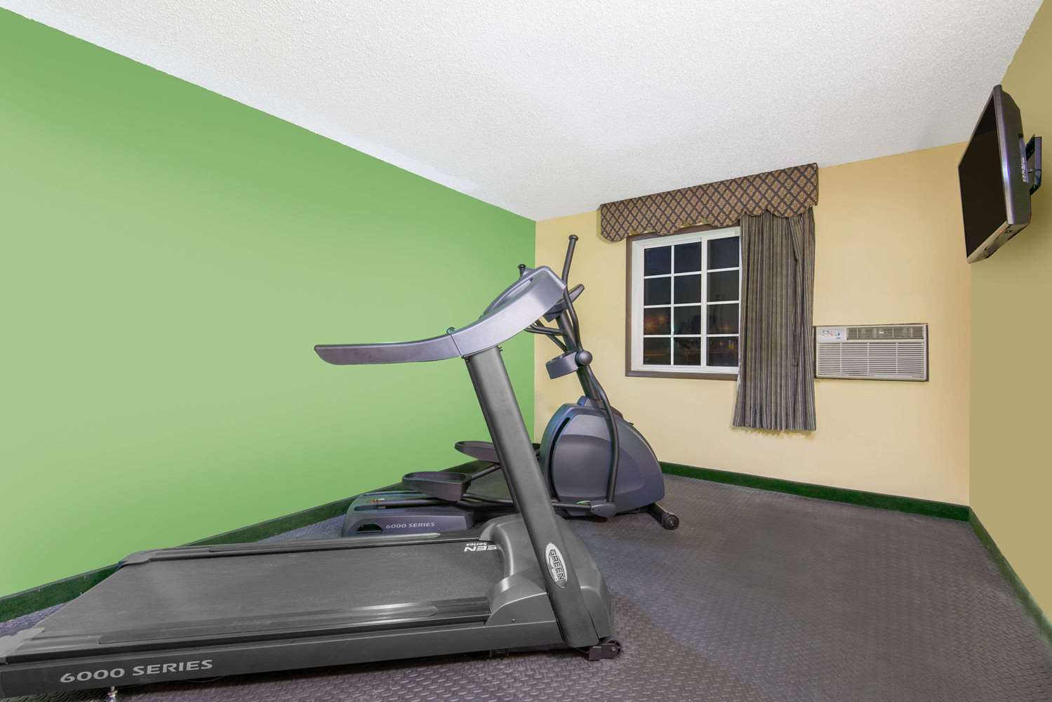 Fitness/ Exercise Room - Days Inn Great Bend