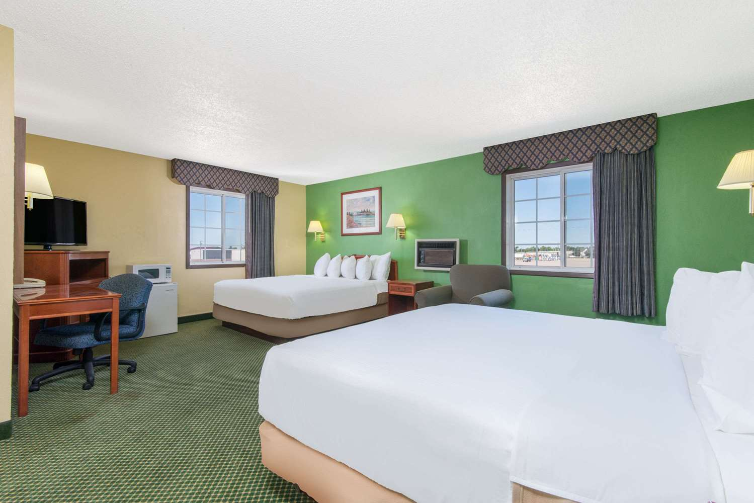 Suite - Days Inn Great Bend