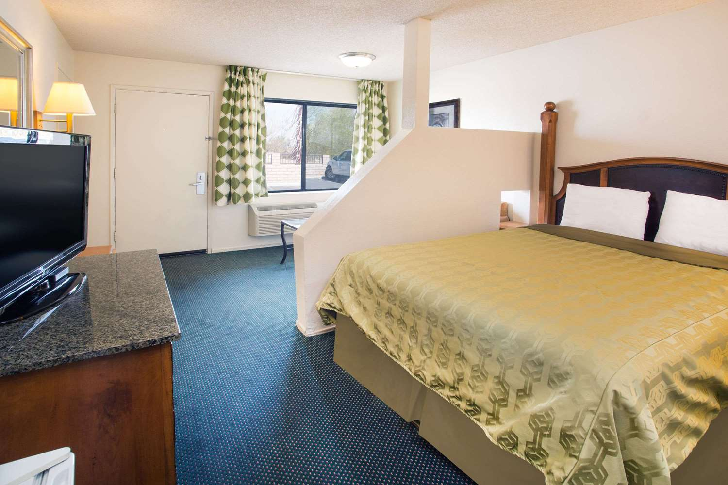 Room - Travelodge Indio