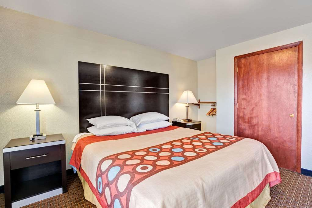 1 ADA King Bed Room
