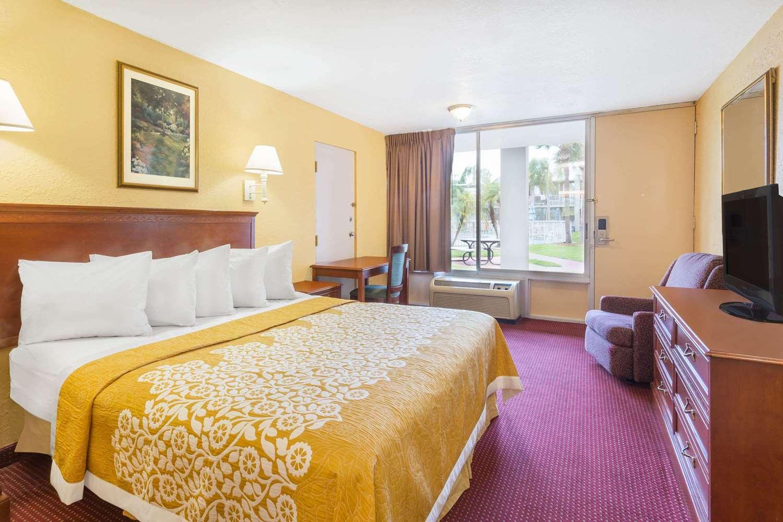 Room - Days Inn Universal Studios South Orlando