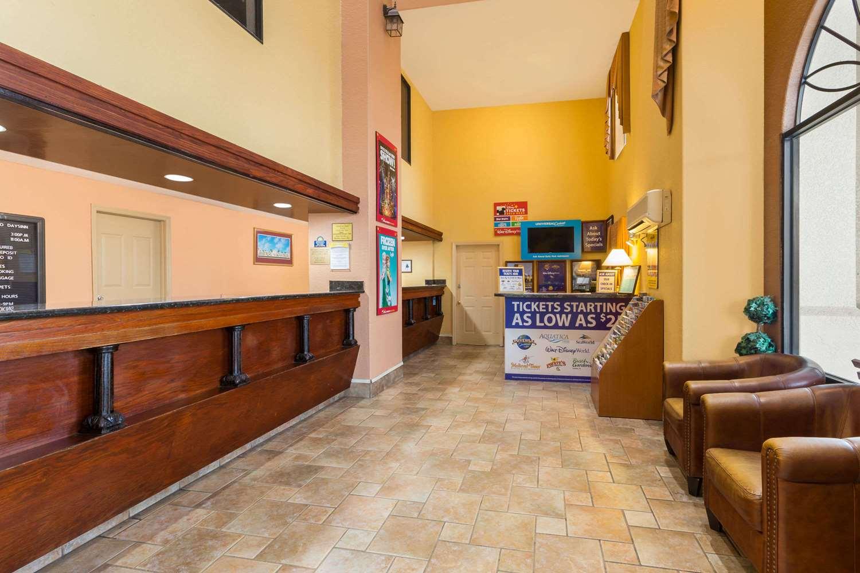 Lobby - Days Inn Universal Studios South Orlando