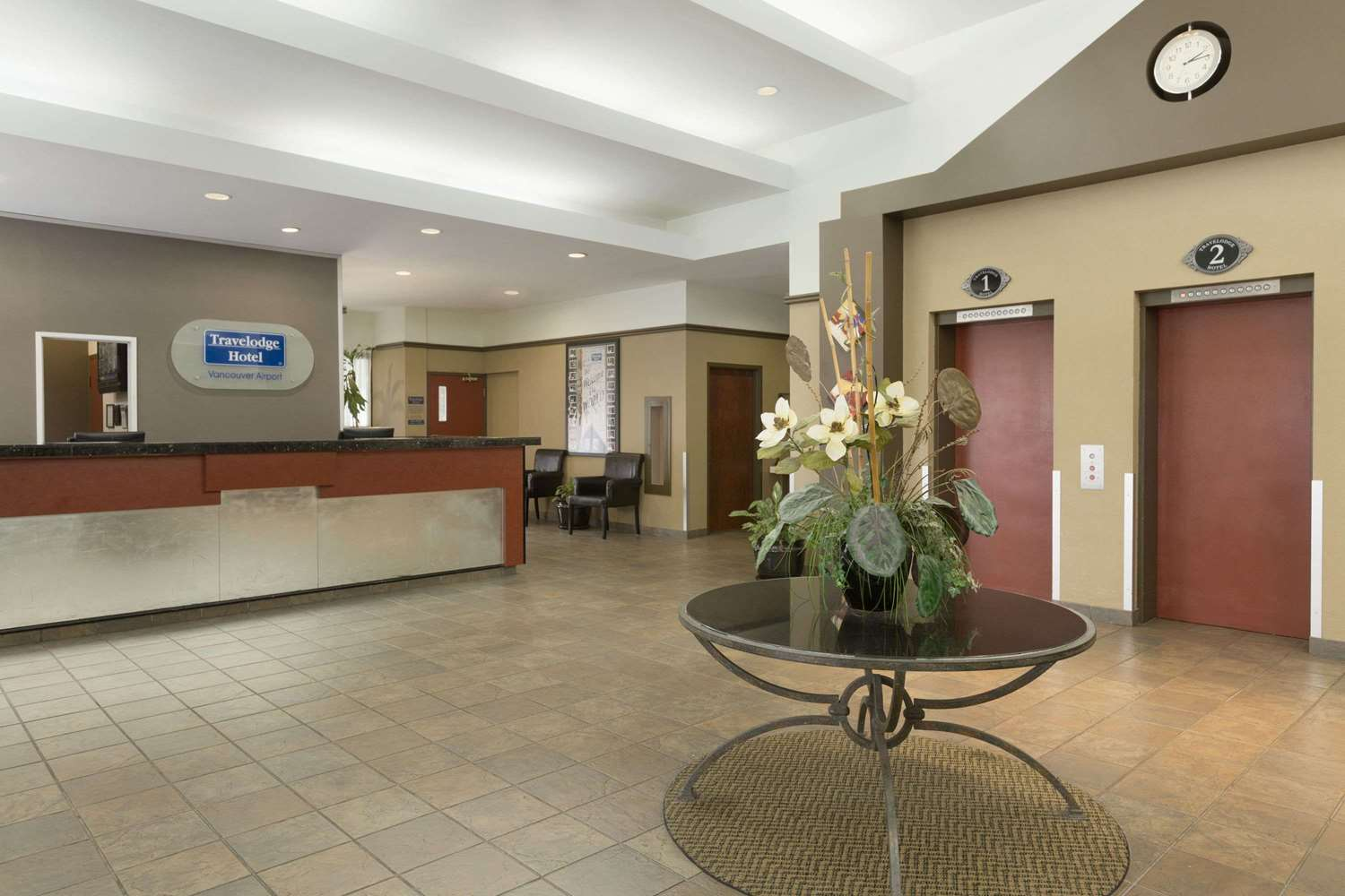 Lobby - Travelodge Airport Vancouver Richmond