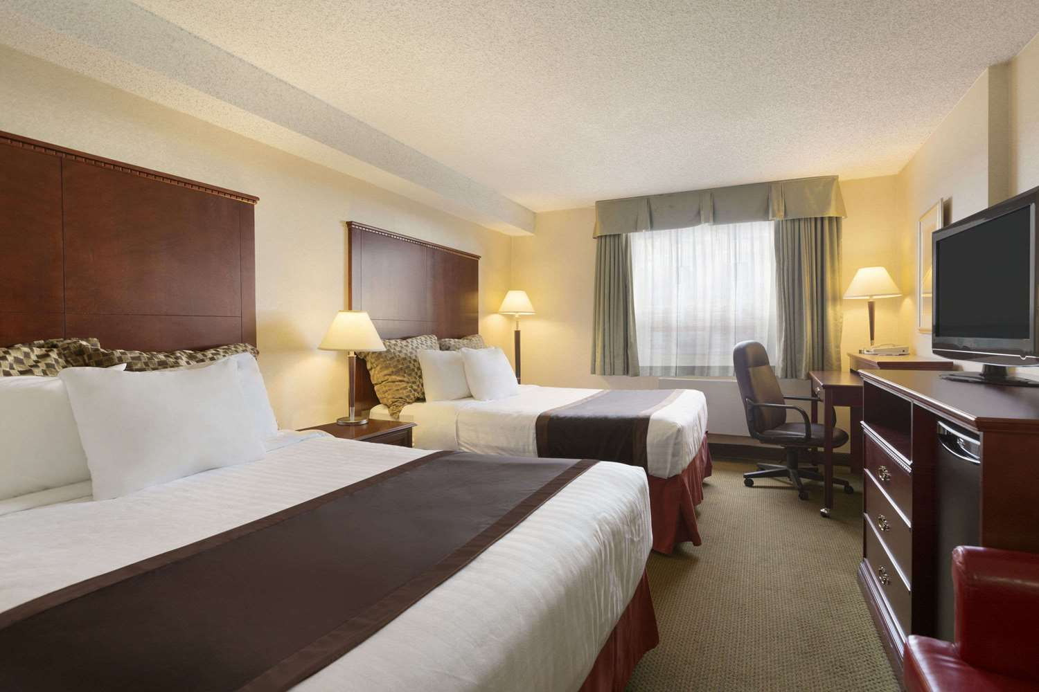 Room - Travelodge Airport Vancouver Richmond