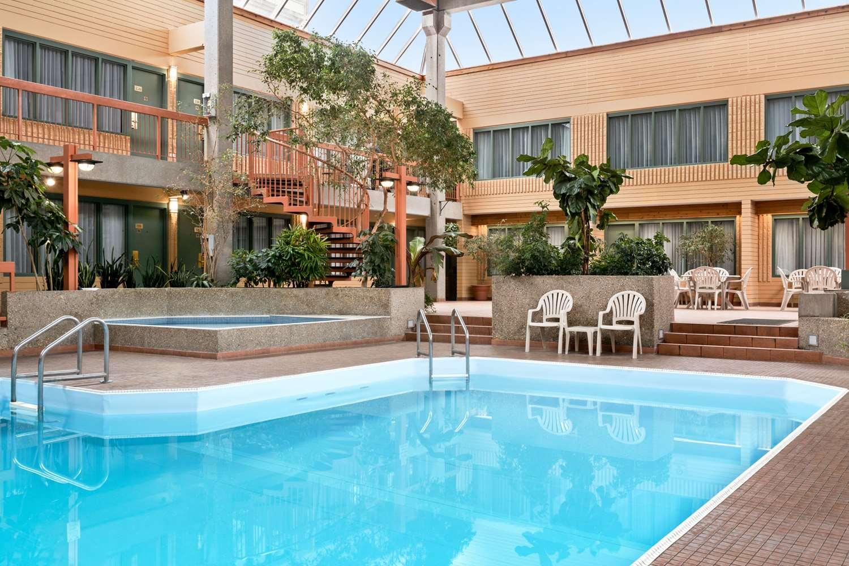 Pool - Travelodge East Winnipeg