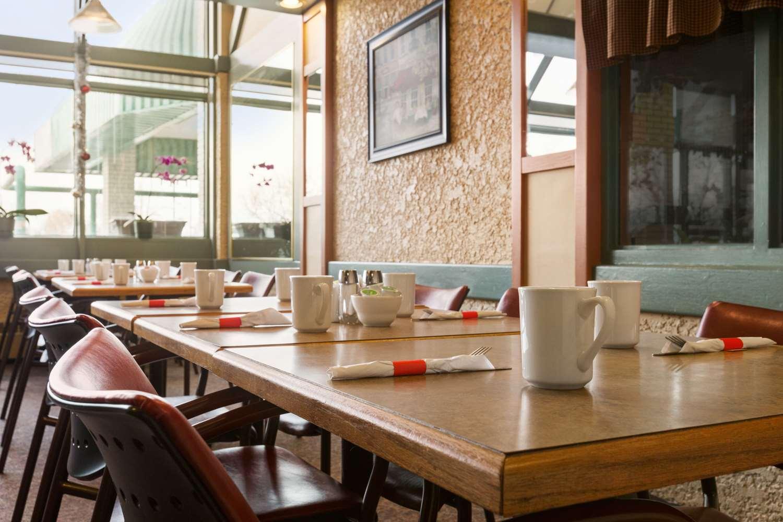 Restaurant - Travelodge East Winnipeg