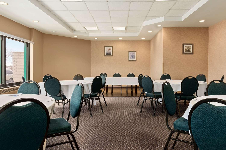 Meeting Facilities - Travelodge East Winnipeg