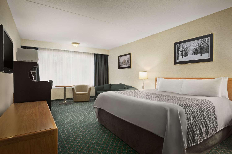 Suite - Travelodge East Winnipeg