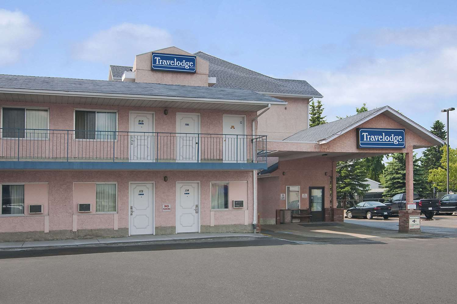Exterior view - Travelodge Suites Edmonton Airport Leduc