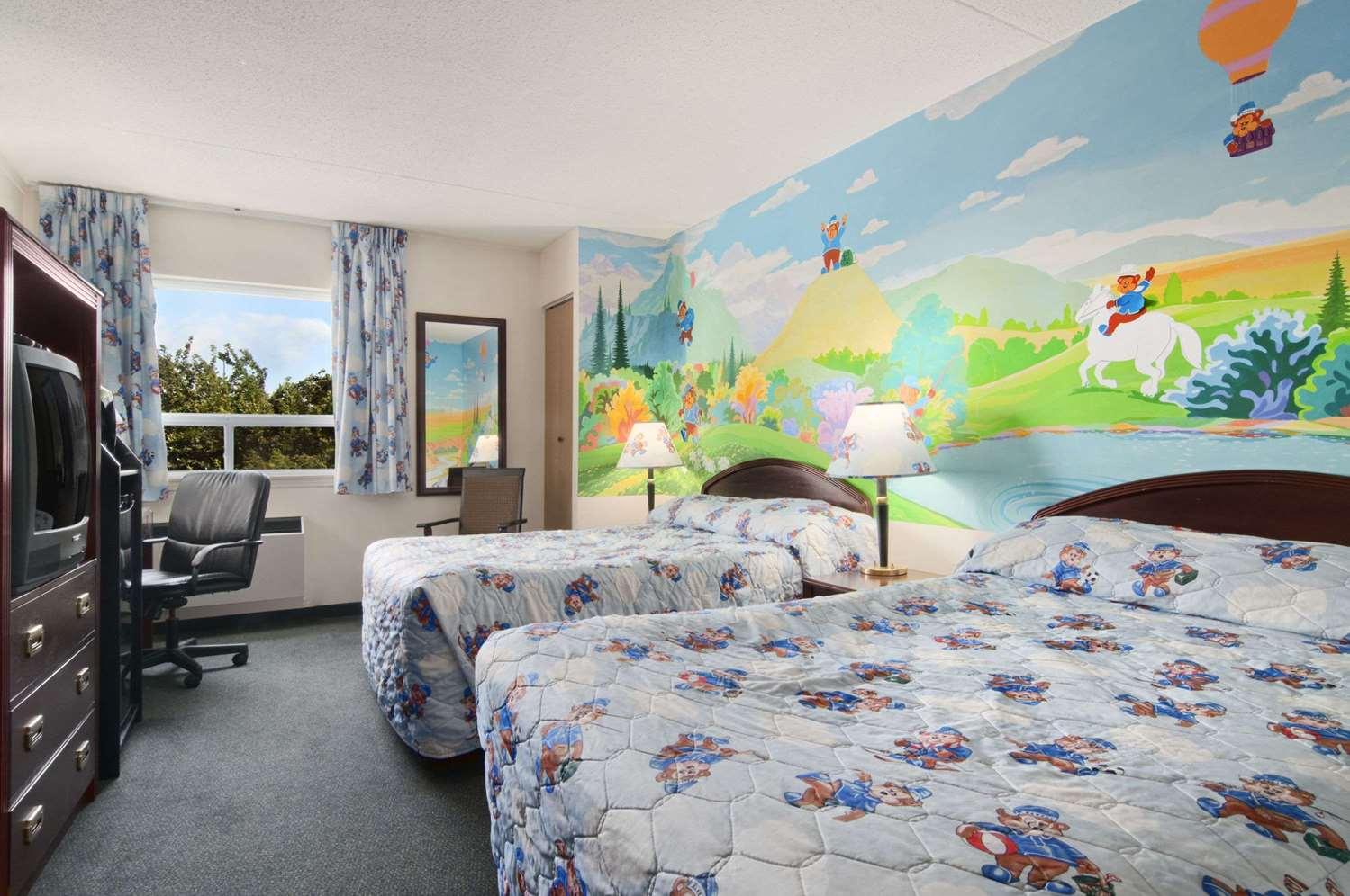 Room - Travelodge South Edmonton