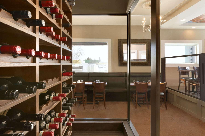 Restaurant - Travelodge South Edmonton