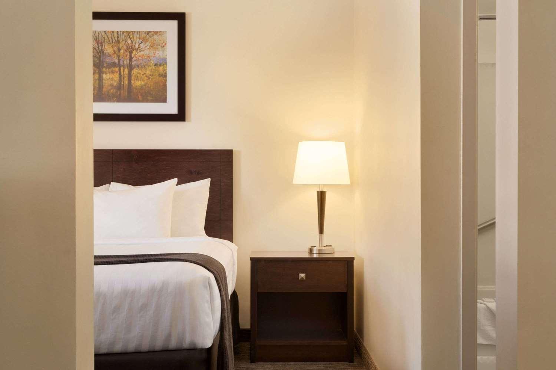 Suite - Travelodge South Edmonton