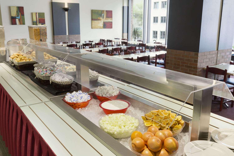 Restaurant - Travelodge Centre Hotel Montreal