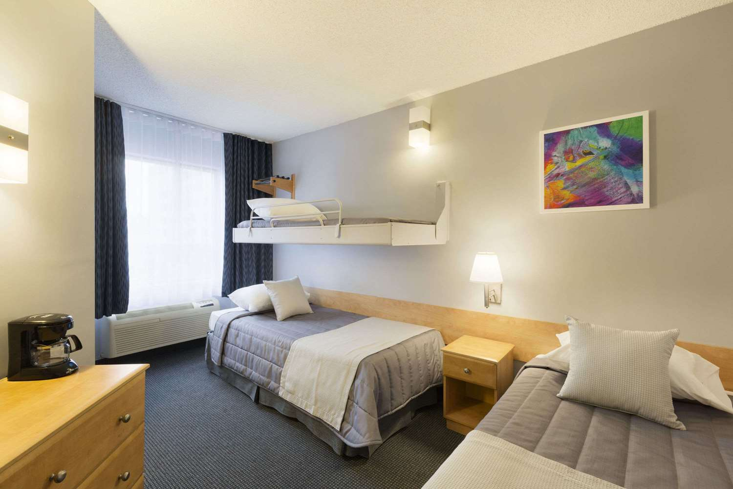 Room - Travelodge Centre Hotel Montreal