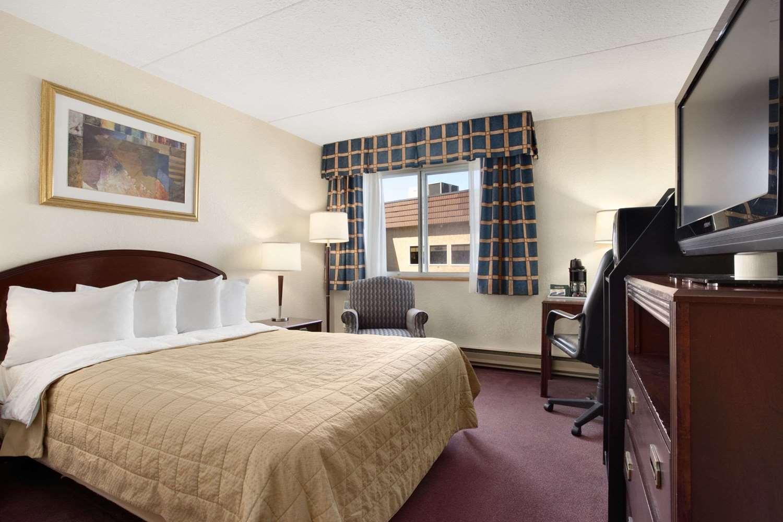 Room - Travelodge East Gloucester Ottawa