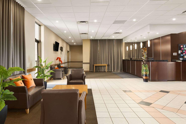 Lobby - Travelodge West Edmonton