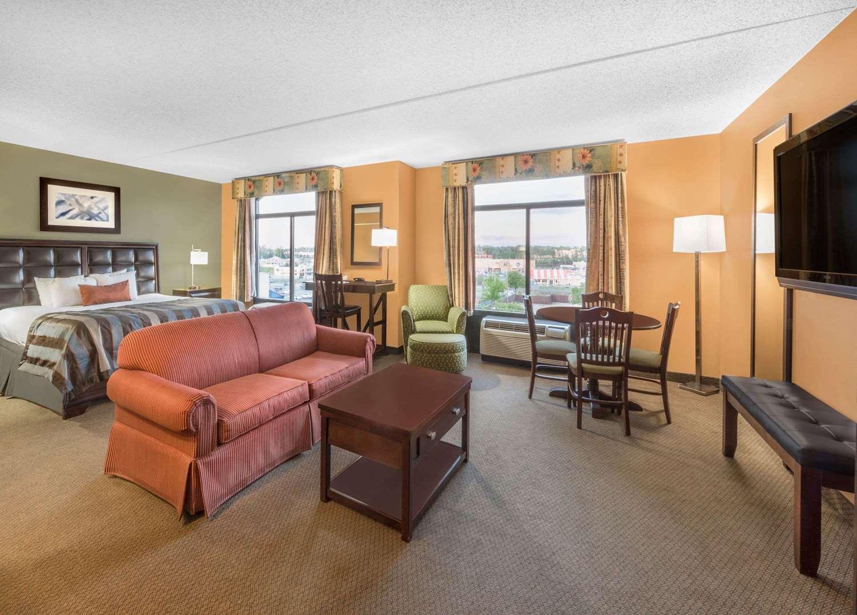 Suite - Wingate by Wyndham Hotel Longview