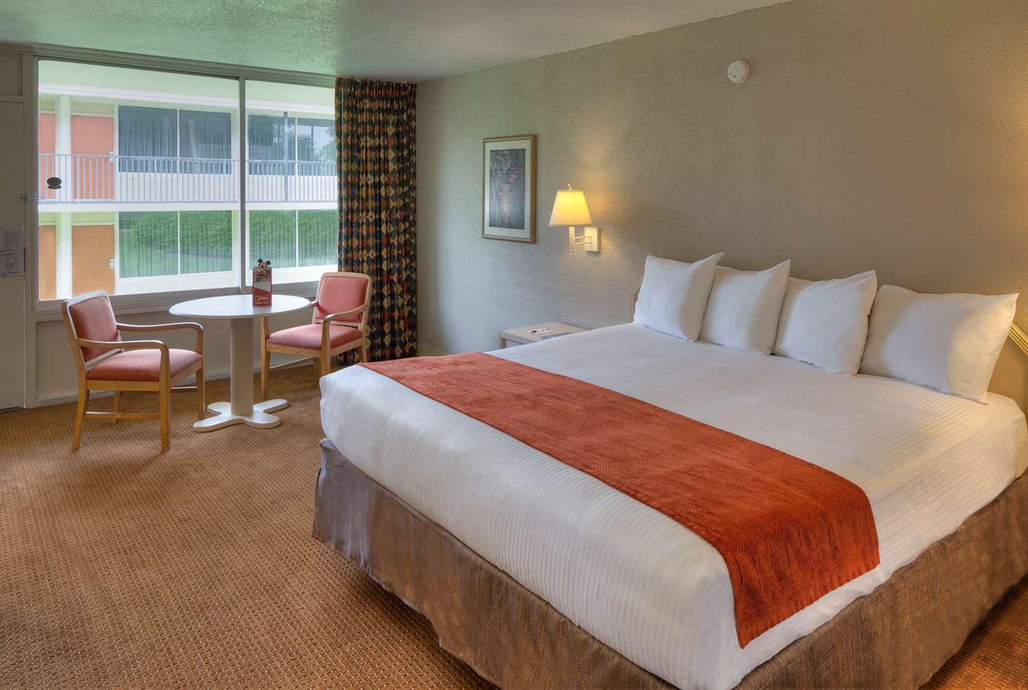 Room - Ramada Inn Gateway Kissimmee