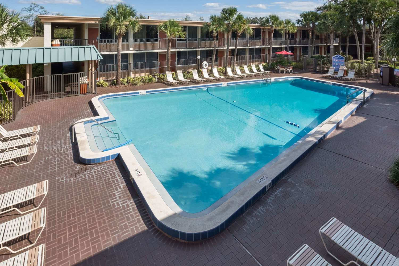 Pool - Ramada Inn Gateway Kissimmee