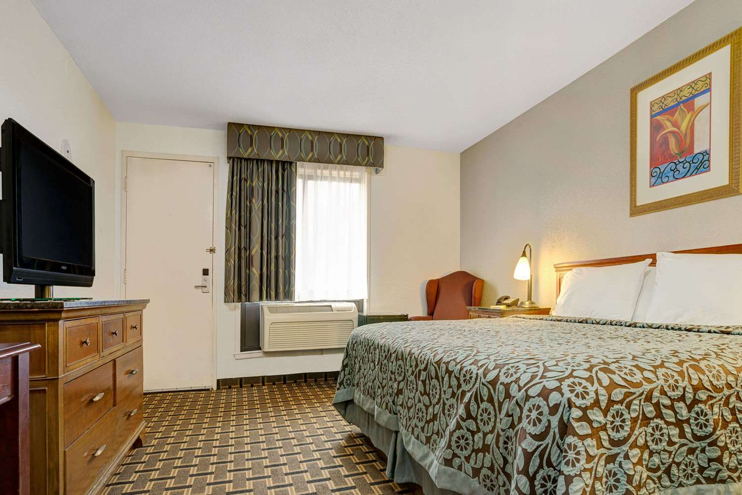 Room - Days Inn St Paul