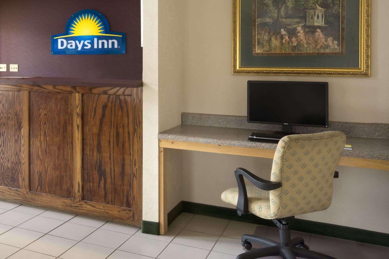 Lobby - Days Inn Alma