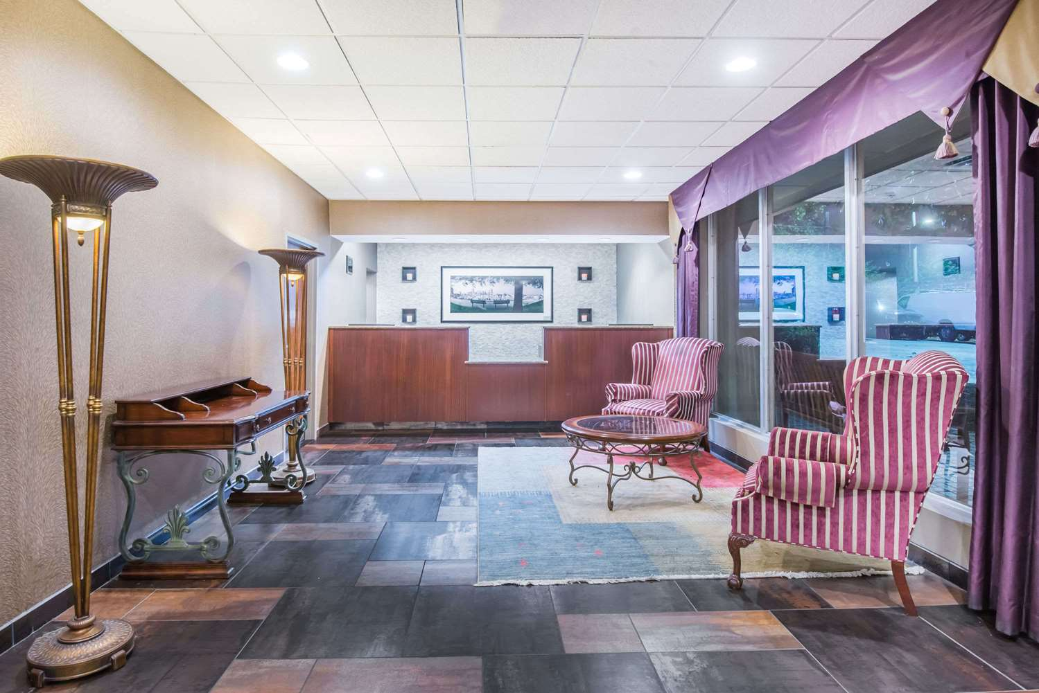 Lobby - Days Inn Glen Burnie