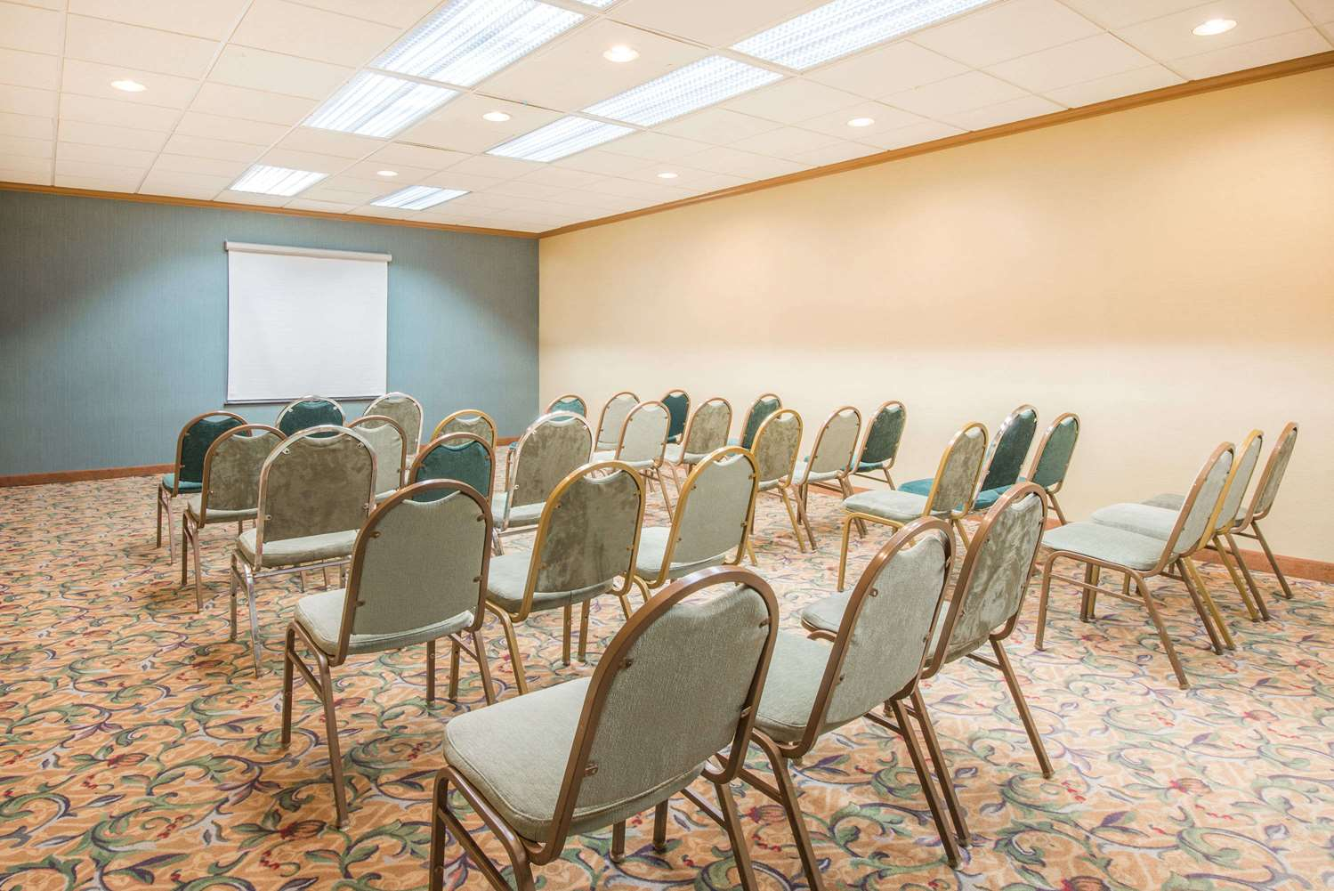 Meeting Facilities - Days Inn Glen Burnie