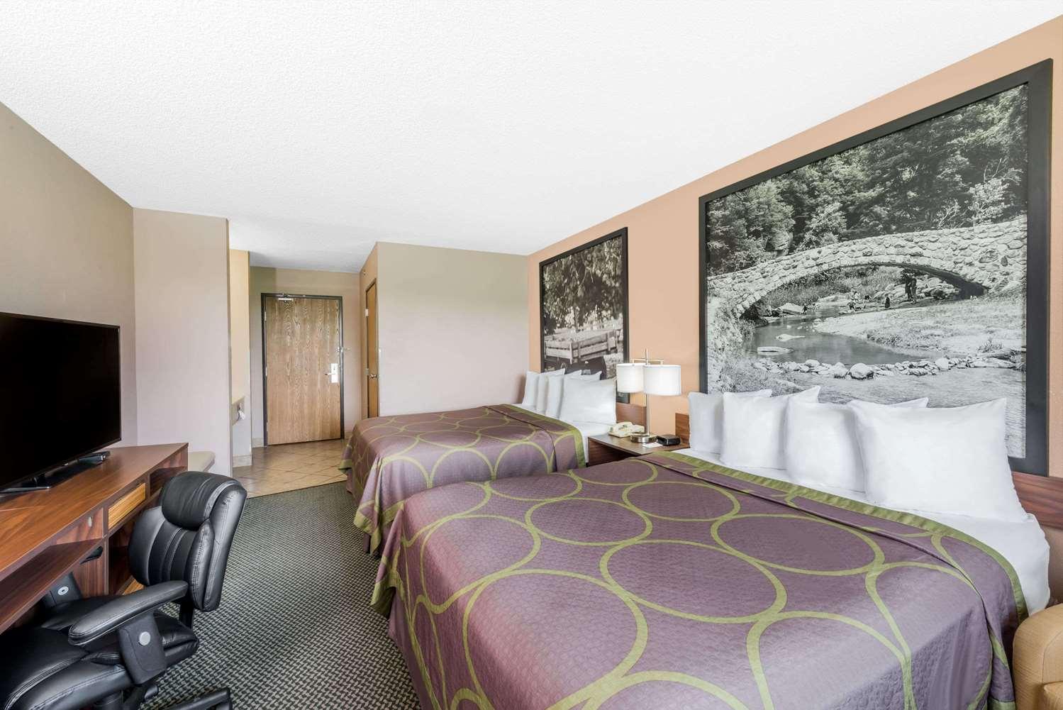 Room - Super 8 Hotel Winfield