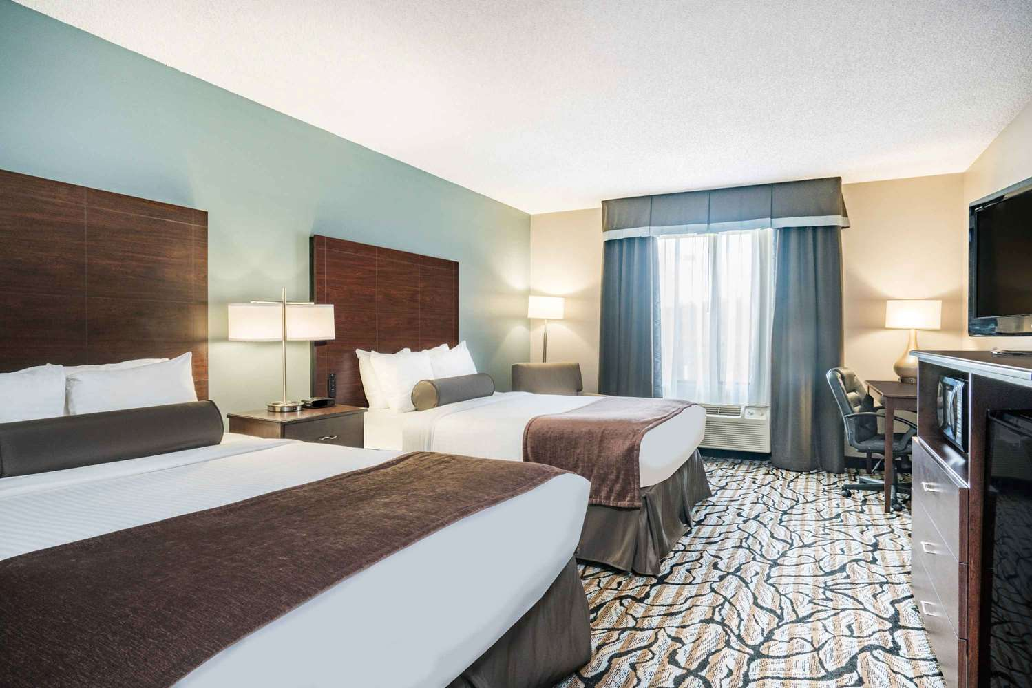 Room - Days Inn Wausau
