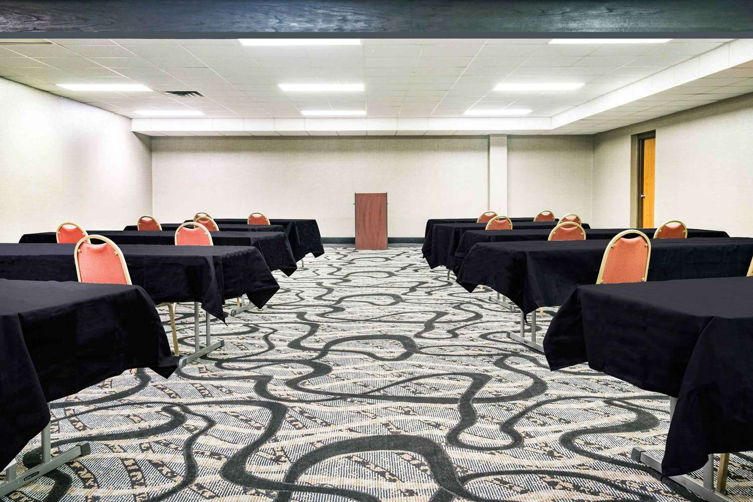 Meeting Facilities - Days Inn Wausau
