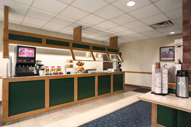 Restaurant - Travelodge Chatham