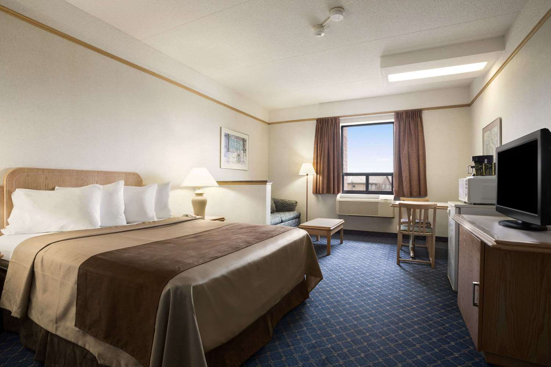 Room - Travelodge Chatham