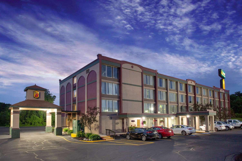 Exterior view - Super 8 Hotel Erie