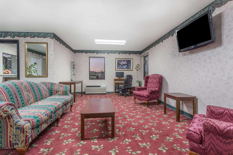 Lobby - Days Inn Royston