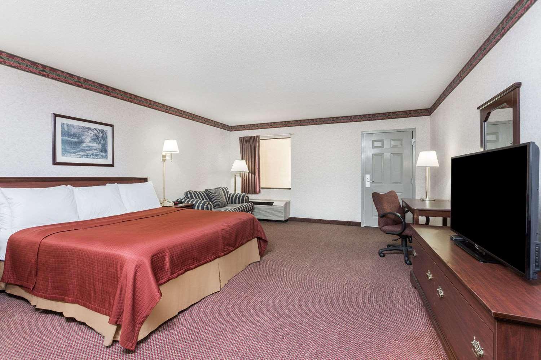 Room - Days Inn Royston