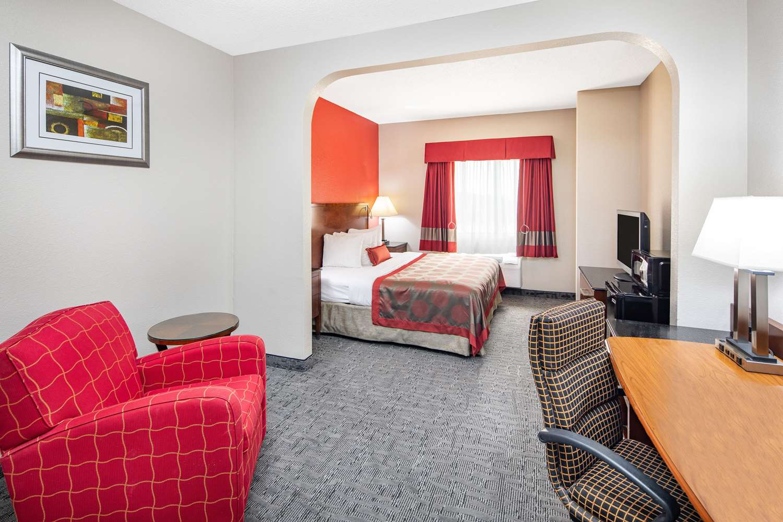 Room - Ramada Limited Hotel Alpharetta