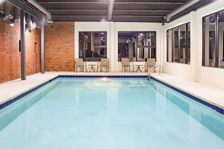 Pool - Ramada Limited Hotel Alpharetta