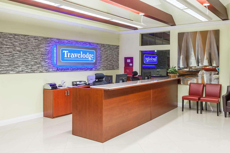 Lobby - Travelodge Disneyland Anaheim